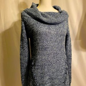 Derek Heart L sweater.